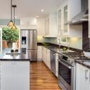 3 ötlet, hogy mivel világítsd meg a konyhapultodat